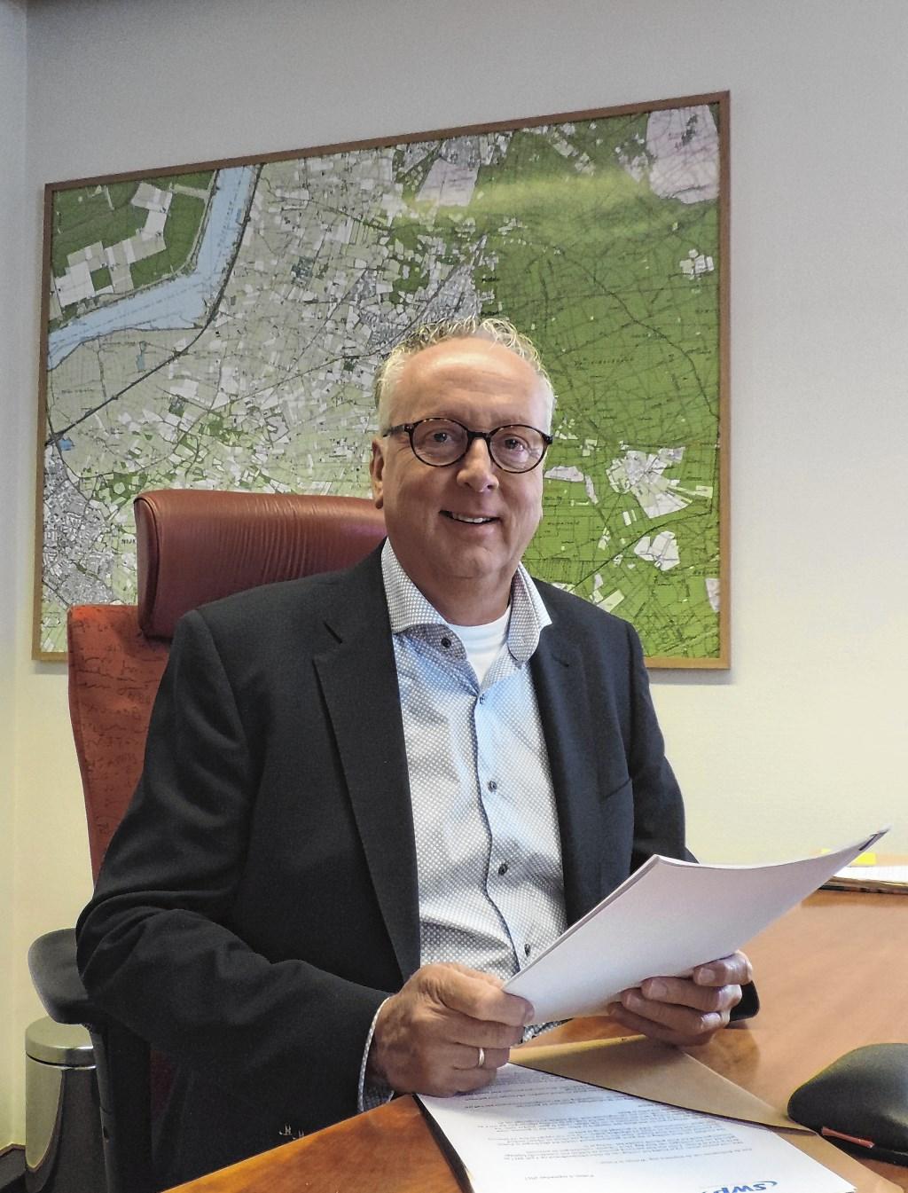 Wethouder Gerbert Priem hoort graag hoe inwoners van Putten aankijken tegen maatregelen die genomen moeten worden. Wijnand Kooijmans © BDU media