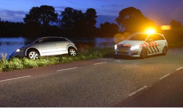 De vermoedelijke vluchtauto werd aangetroffen op de Amsteldijk-Zuid.