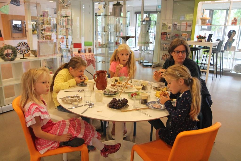 een groepje dat ook kwam lunchen bij het LunchCultuurtje. Hannie van de Veen © BDU media
