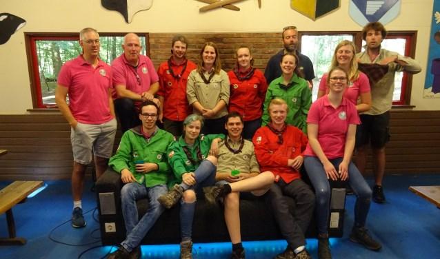 Enthousiaste leden van Scouting Doorn in het clubhuis.