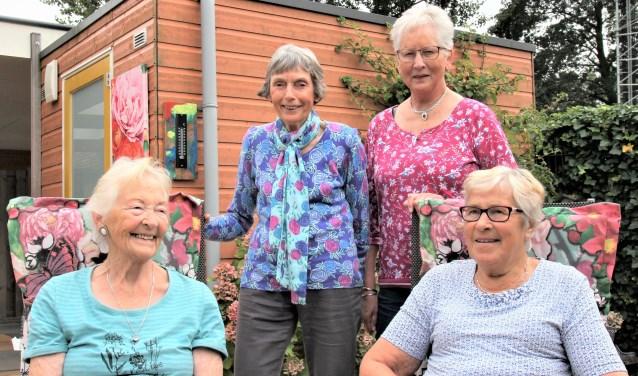 """Roely, Maja, Roely en Truus. """"Ons inzetten voor de ouderen van het dorp."""""""