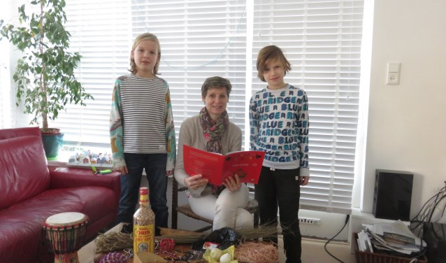 Marieke, geflankeerd door Mick (l) en Fenna