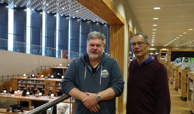 Gerrit Borg en Jules Struyck, hebben al veel bezoekers geholpen.