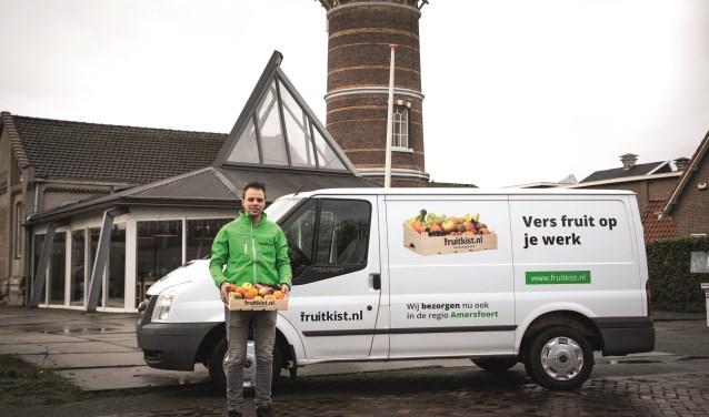 De eerste bedrijven in de regio konden dinsdag al kennis maken met vers fruit op de werkvloer .