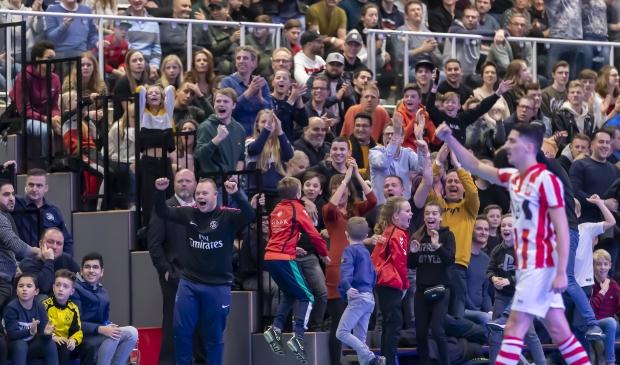 <p>Het jaarlijkse voetbaltoernooi om de Proxsys Cup in de Oosterbliek biedt veel jongeren vermaak tijdens de Kerstvakantie&nbsp;</p>