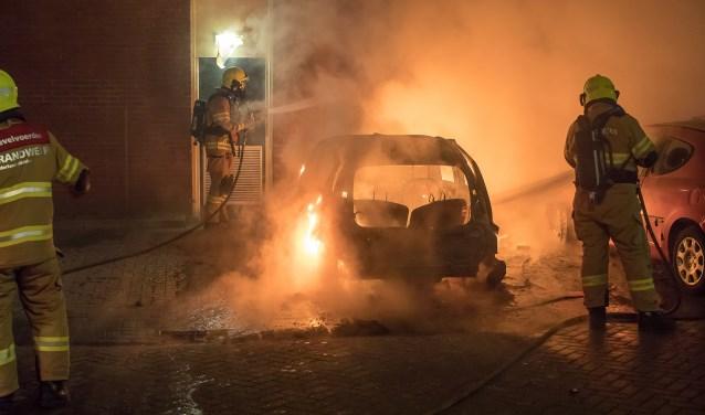 """,,Vrijwilligers van de brandweer Stadspoort werden onder andere op de Vanenburg belaagd"""", aldus de woordvoerder."""