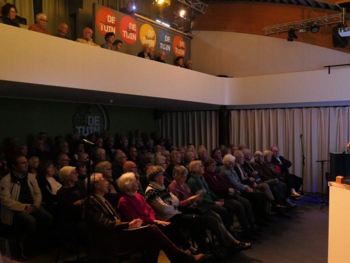 In een bomvol theater De Tuin vertelde José Huurdeman over Leusdenaren in de tweede wereldoorlog