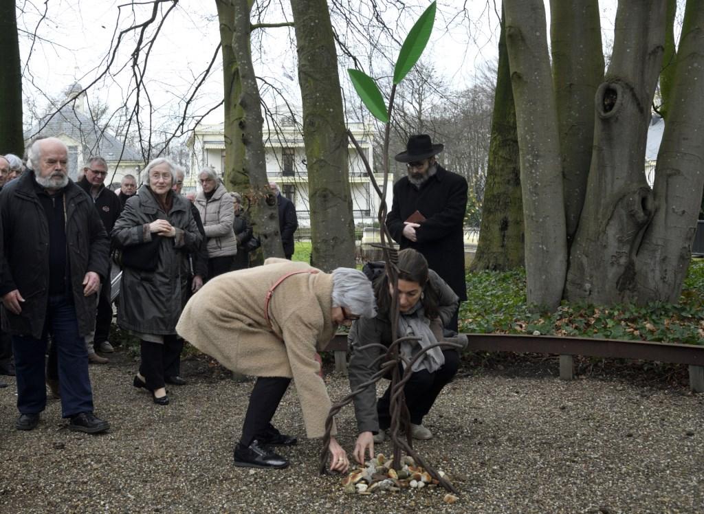 International Holocaust Memorial Day: Herdenking van het joodse werkkamp bij het Sarah-monument  Henk Hutten © BDU media