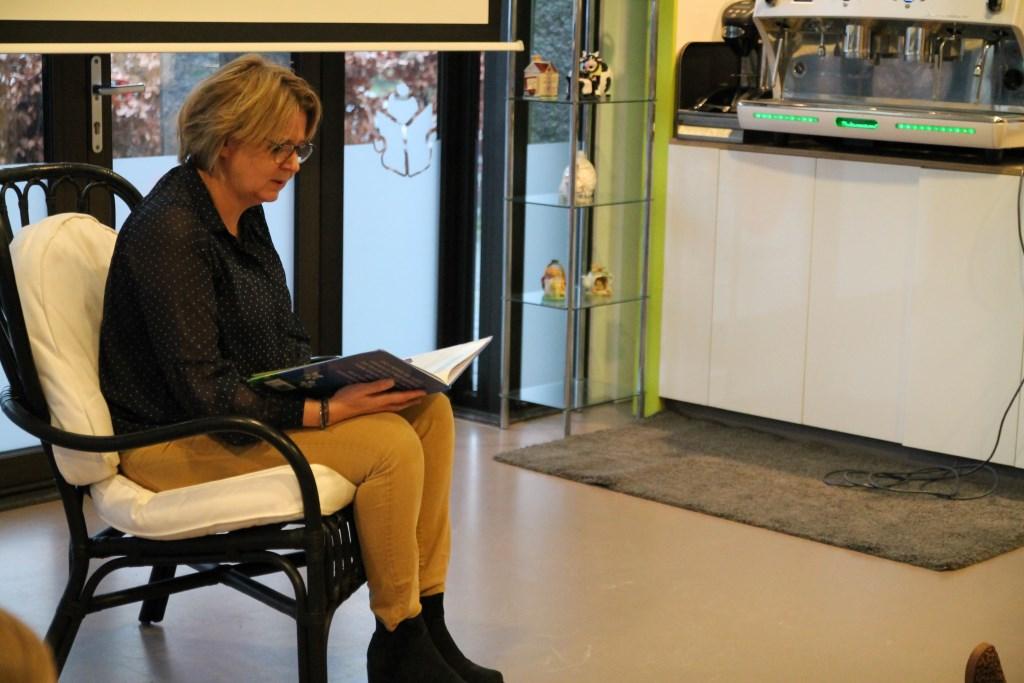 Marleen Treep vond het voorlezen voor de peuters erg leuk. Hannie van de Veen © BDU media