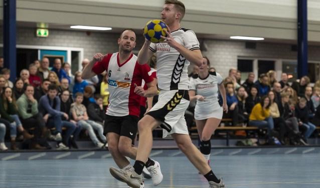 Bart Nieuwenweg is voor drie wedstrijden terug bij De Meeuwen; tegen OWK maakte hij er acht.