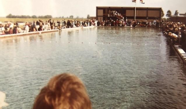 Het zwembad vroeger.