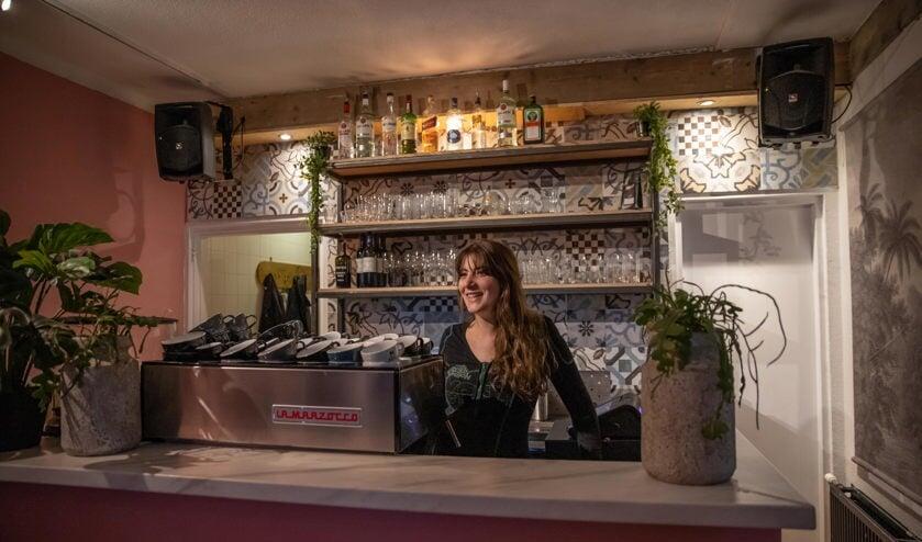 Felicia Ederzeel in het casual cafe Jimmy.