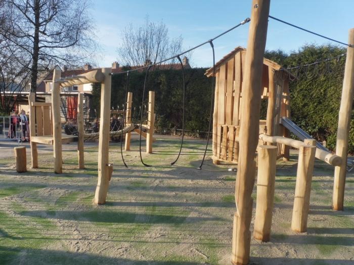 Speelhuis en klauterparcours J. Jansen © BDU Media