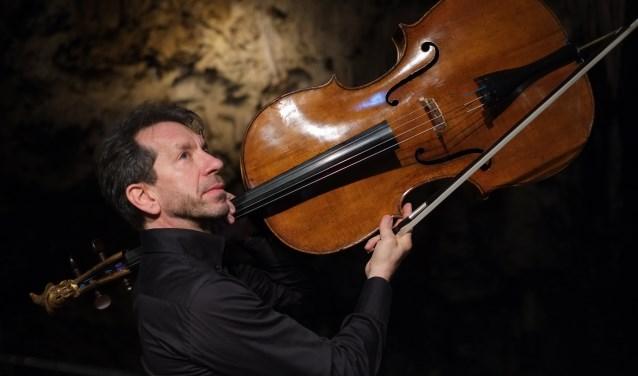 Robert Cohen speelt met zijn bijzondere cello op het Valleiconcert.