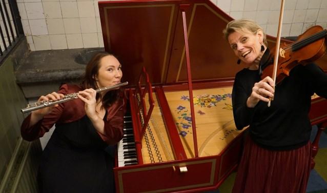Laura de Boer (l) en Cathrine Malcorps spelen beide in Trio Clave.