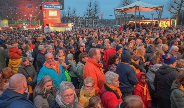Veel Nieuw-Vennepers waren naar het centrum gekomen. Rob Joore © BDU media