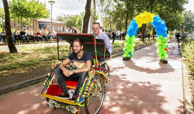 De opening van het verwarmde fietspad langs de Bovenbuurtweg, begin september 2016.