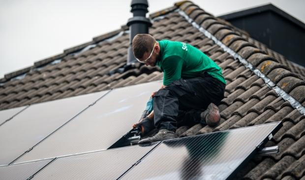 <p>&#39;Verzilver je dak&#39; gaat bij particulieren sneller dan in het bedrijfsleven.</p>