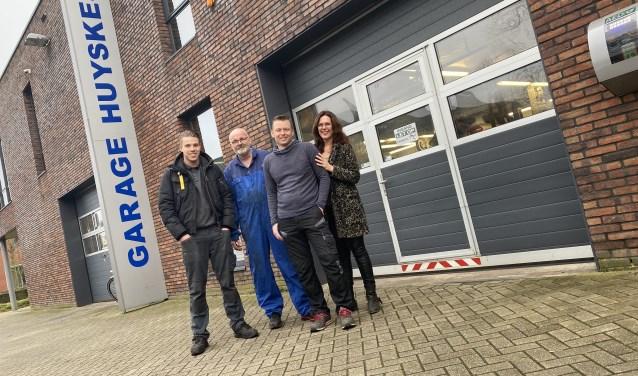 Het team van Garage Huyskes na de overname: Hugo, Teun, Bert en Marieke.