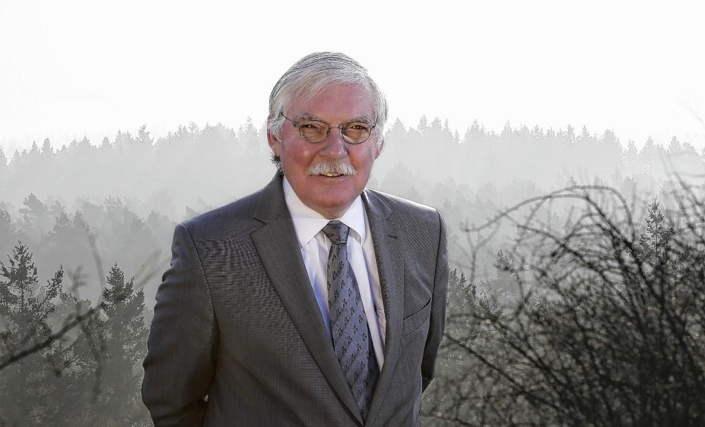 Oud-burgemeester Cees van der Knaap.