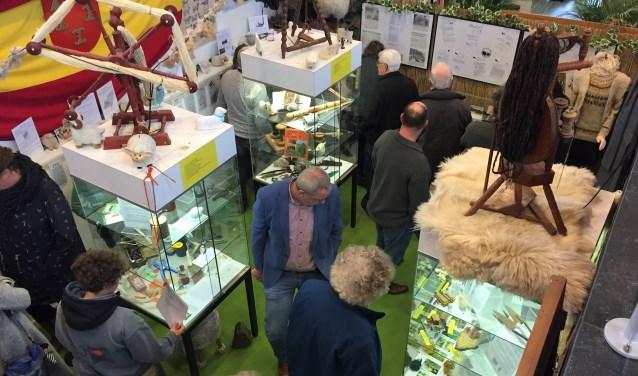 Dat er vele makke schapen in één hok gaan, bleek maar weer eens bij de opening van de expositie over Leersum en zijn schapen.