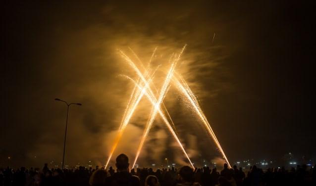 Is een centrale vuurwerkshow het toekomstbeeld? In het Kadecafé staat deze vraag donderdag centraal tijdens het debat.