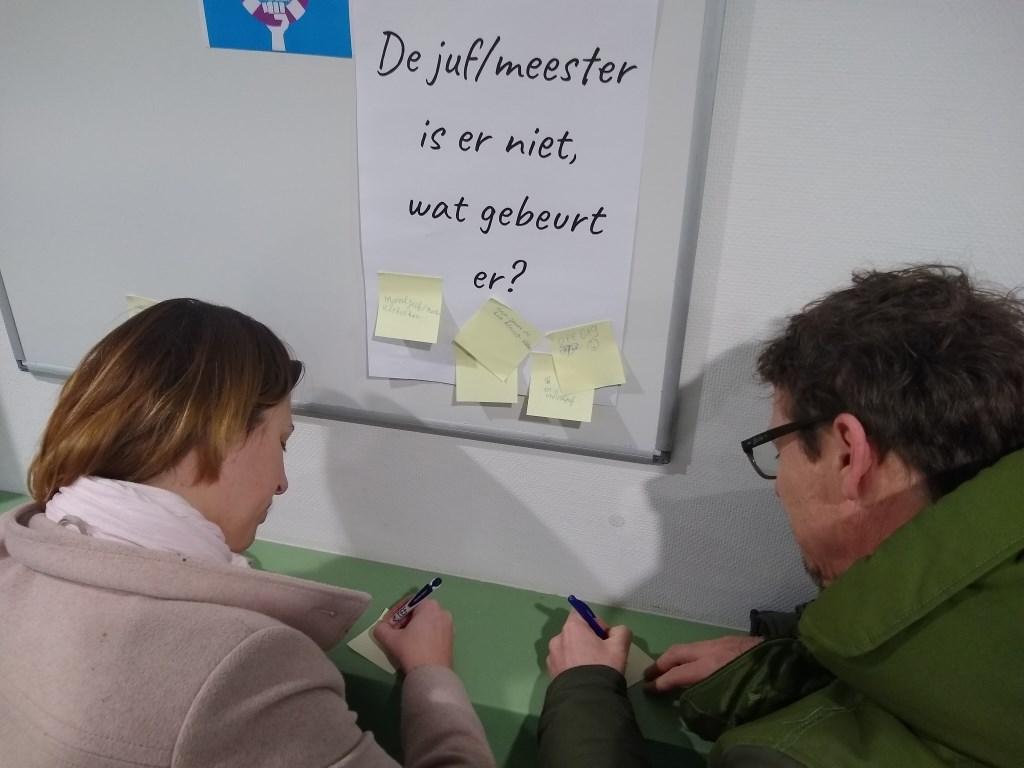 Ouders van De Driesprong reageren op een van de stellingen. Johan van Beek © BDU media