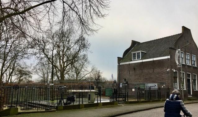Het Coronelpaviljoen komt links naast het Vegahuis. De werkzaamheden zijn gestart.