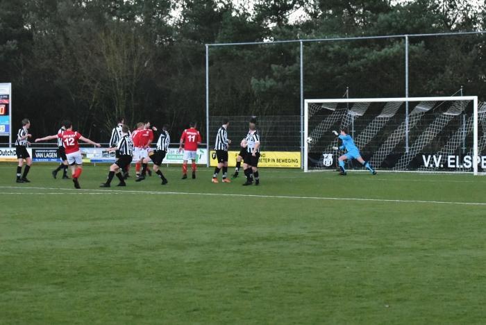 Rood Wit scoort 0-1 tvbloeme  © BDU media