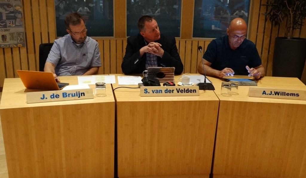 Jan-Dirk de Bruijn (PCG), Sybren van der Velden (VVD) en Rob Willems (GroenLinks) Kuun Jenniskens © BDU media