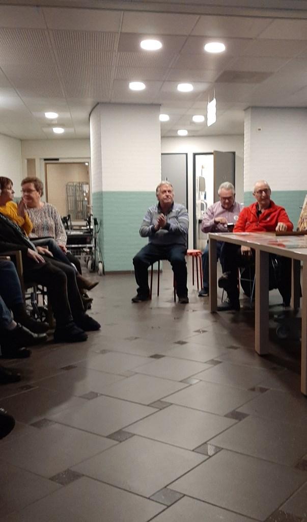 Oud voetballers op bezoek in het Houtens Erf ZorgSpectrum © BDU media