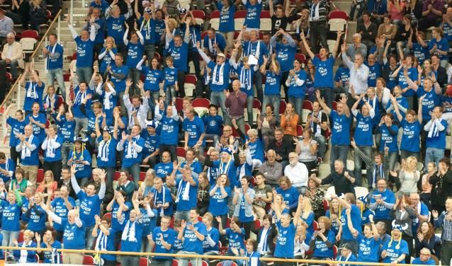 Sliedrecht Sport-supporters bij een Bekerfinale.