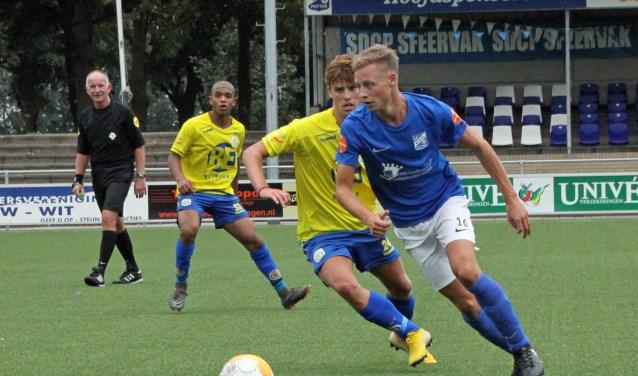 Wilbert Thomassen (rechts) speelt komend seizoen voor SDV Barneveld.