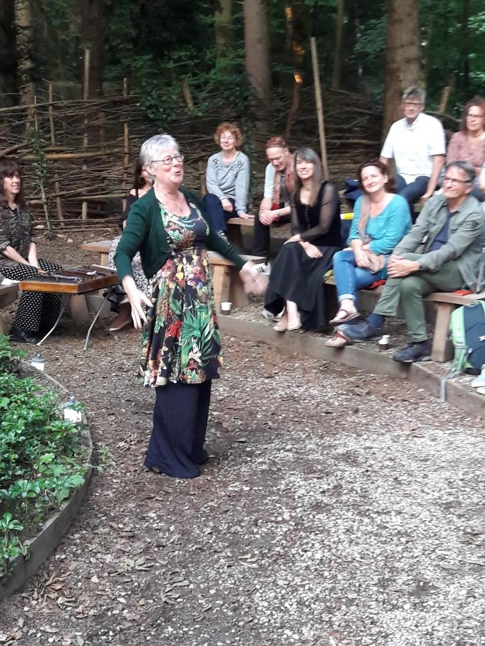 Esther de Jong vertelt
