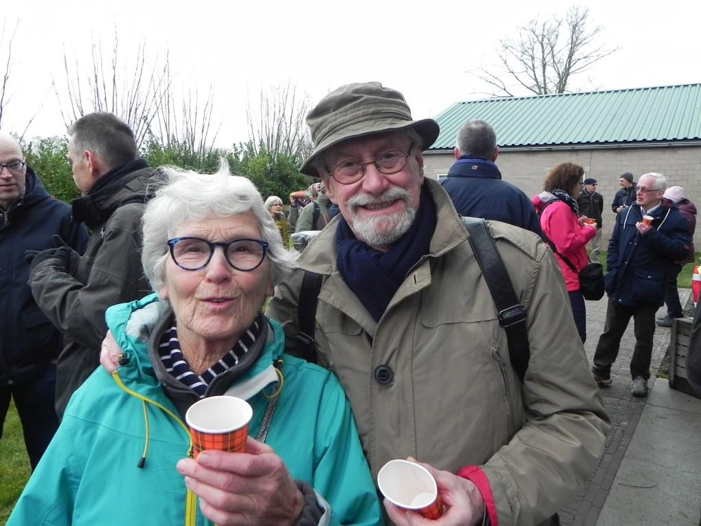 Dhr en mevr van Koert uit Odijk zijn 80 en 81 jaar oud en voltooiden de wandeltocht zonder problemen. Richard Thoolen © BDU media