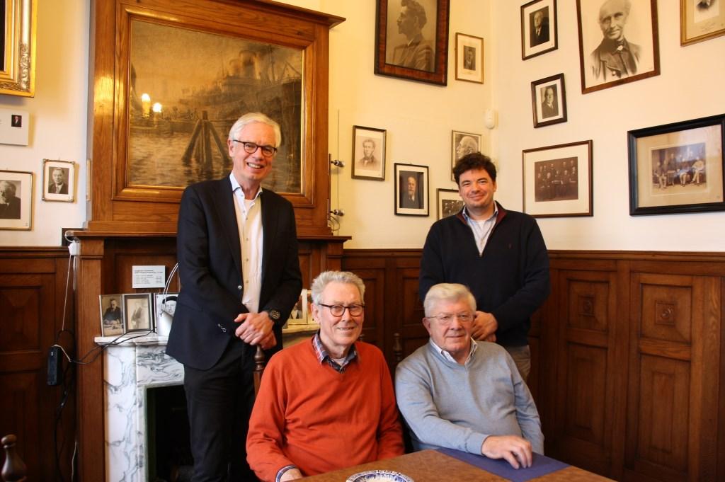 Achteraan: Joep en Michiel Athmer. Zittend: Jan Lavooij en Ron van der Vlies