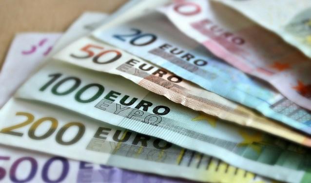 De gemeente Ede keerde de afgelopen vier jaar bijna driekwart miljoen euro aan wachtgeld voor oud-bestuurders uit.