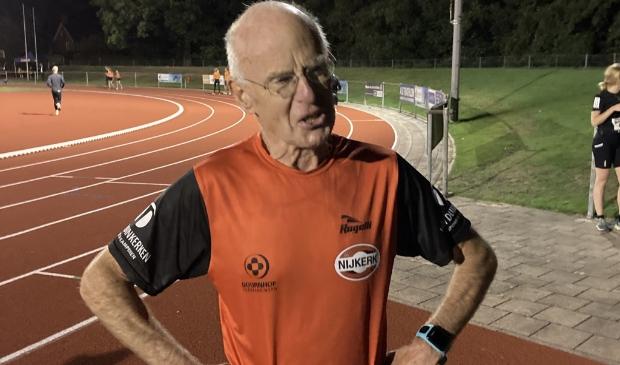 <p>Na het behalen van het Nederlands record was Wim Oudejans dinsdagavond duidelijk in zijn nopjes</p>