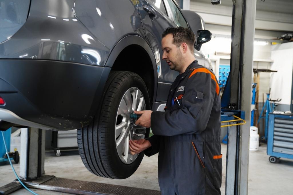 <p>Auto&#39;s van alle merken kunnen worden gerepareerd bij Auto Berkelaar. </p> Naomi Heidinga © BDU media