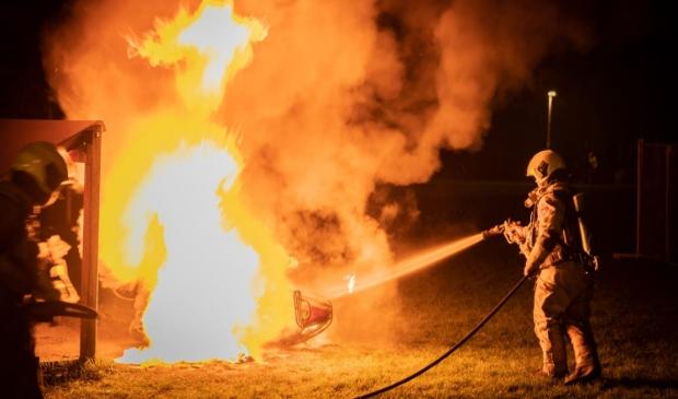 De brandweer werd opgeroepen om de scooter te blussen