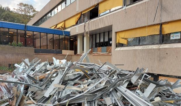 <p>De sloop van een gedeelte van het voormalige gebouw van Victoria-Vesta is al in volle gang</p>