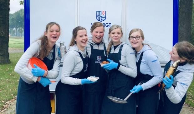 <p>Van links naar rechts: Rineke Pater, Arianne Verbeek, Burgitte Schreuder, Rosanne van Ginkel, Arjanne van de Brand en Gerritha van de Bruinhorst &nbsp;(archieffoto).</p>