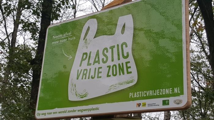 De borden voor de PlasticVrije Zone