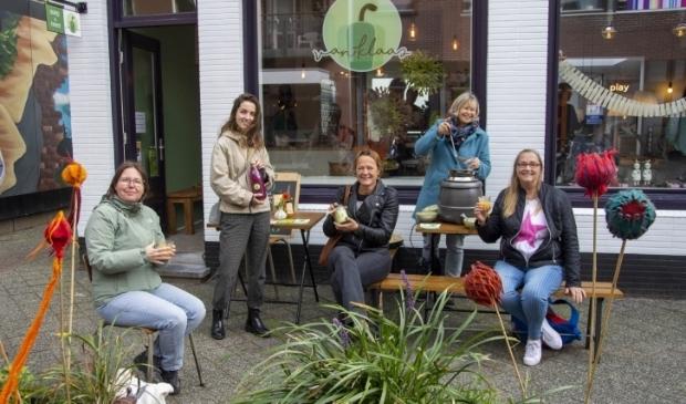 <p>De No Waste Tour eindigde bij 'Van Klaas', waar de liefde voor gezond en vers eten en duurzaamheid hoog in het vaandel staat.</p>