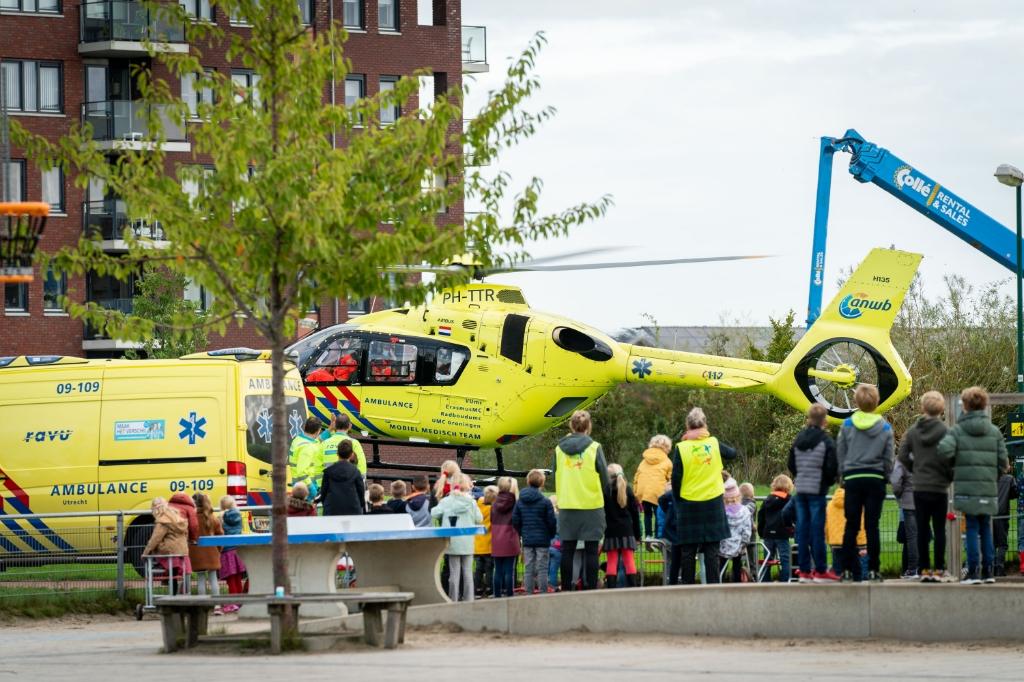 <p>Traumahelikopter landt bij Castellum</p> <p>Koen Laureij</p> © BDU media