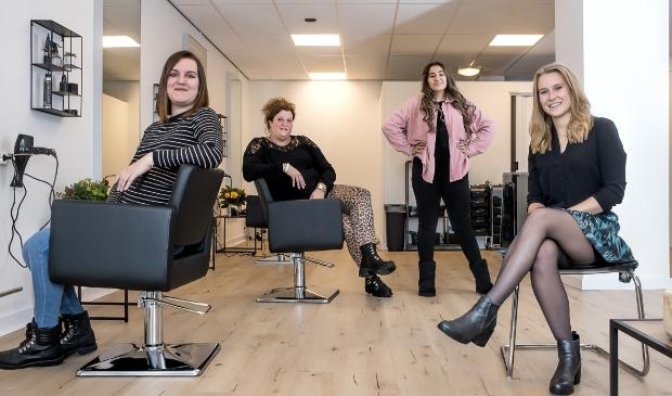 <p>Van links naar rechts Sandra Celik, Renate de Graaf, Dina Benali &nbsp;en Demi van Herwaarden.</p>