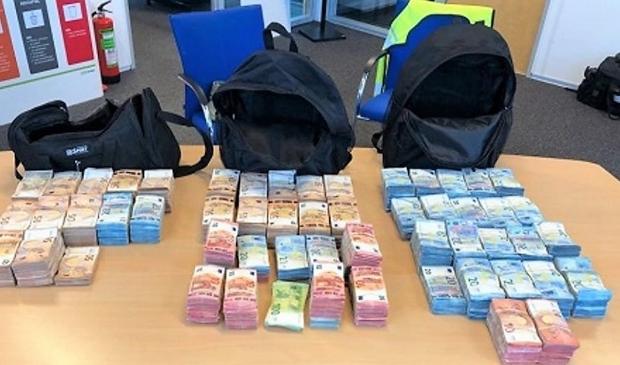<p>Er werd 260.000 euro aan contant geld in beslag genomen (archieffoto ter illustratie).</p>