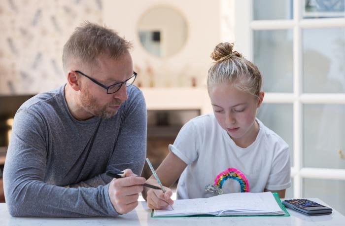 Persoonlijke aandacht voor de leerling bij huiswerkbegeleiding.