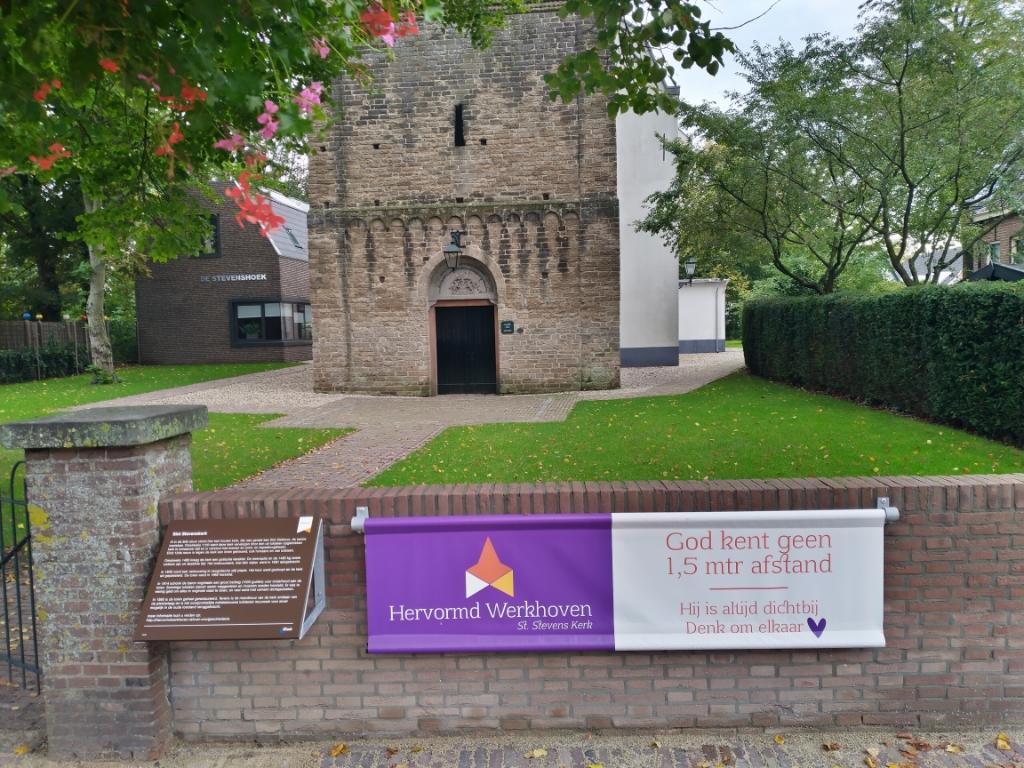 Het informatiebord van de Stevenskerk wordt vernieuwd
