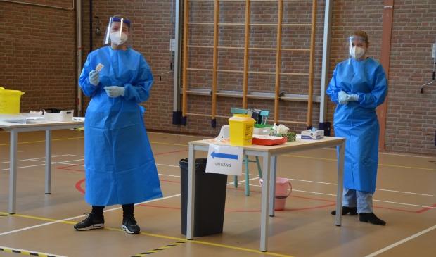 Geen wachtrijen bij de griepvaccinatie in de gymzaal van Het Anker